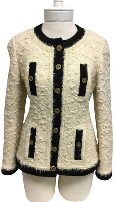 Item - Cream Tweed with Black Trim and Gold Cc Logo Buttons Jacket Size 6 (S)