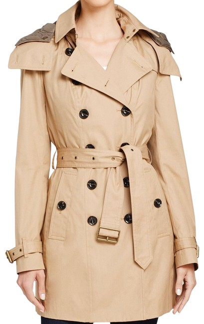 Preload https://img-static.tradesy.com/item/26429054/burberry-light-camel-reymoore-hodded-cotton-trench-coat-jacket-size-8-m-0-1-650-650.jpg