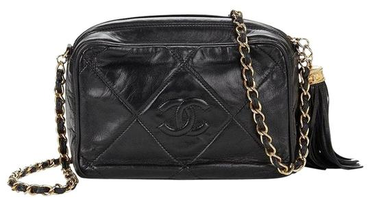 Preload https://img-static.tradesy.com/item/26429390/chanel-camera-vintage-quilted-tassel-black-lambskin-leather-cross-body-bag-0-2-540-540.jpg
