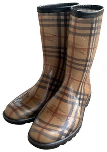 Burberry black tan red brown white Boots