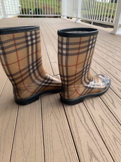 Burberry black tan red brown white Boots Image 1