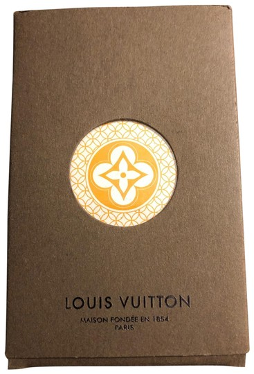 Preload https://img-static.tradesy.com/item/26435510/louis-vuitton-yellow-and-white-playing-cards-0-1-540-540.jpg