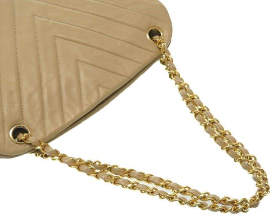 Chanel Quilted Lambskin Leather Chevron Shoulder Bag Image 2