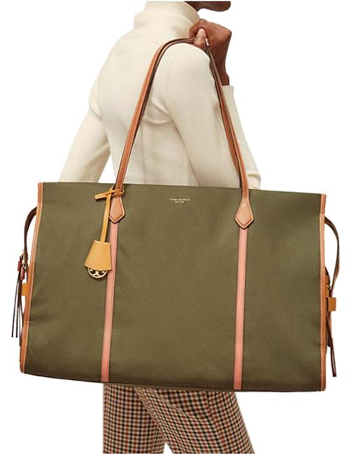 Item - Perry Color Block Oversized Tote Grape Leaf Nylon Weekend/Travel Bag