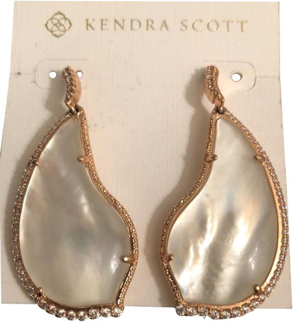 Item - Rose Gold Statement Mother Of Pearl Drops Earrings