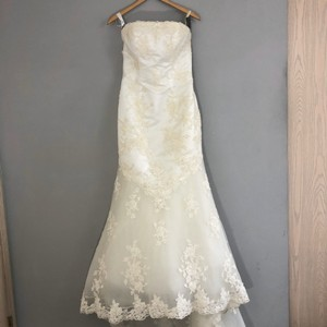 Alfred Angelo Ivory Lace A Line Beaded Gown Formal Wedding Dress Size 4 (S)