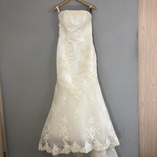 Preload https://img-static.tradesy.com/item/26444303/alfred-angelo-ivory-lace-a-line-beaded-gown-formal-wedding-dress-size-4-s-0-1-540-540.jpg
