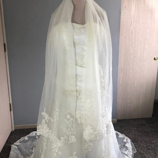 Alfred Angelo Ivory Lace A Line Beaded Gown Formal Wedding Dress Size 4 (S) Image 2