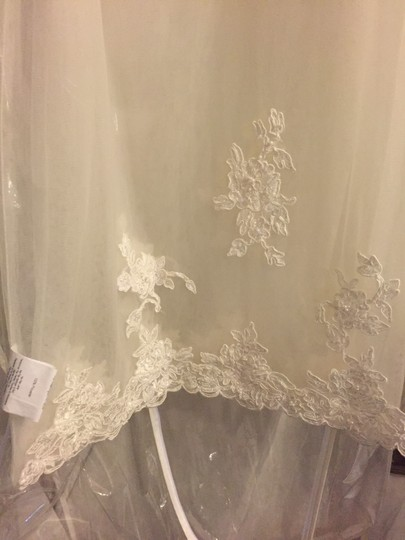 Alfred Angelo Ivory Lace A Line Beaded Gown Formal Wedding Dress Size 4 (S) Image 5