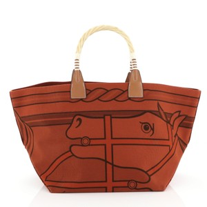 Hermès Leather Tote in brique