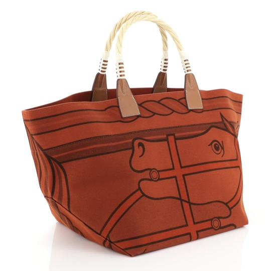Hermès Leather Tote in brique Image 2