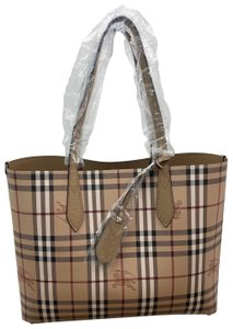 Burberry Tote in tan - item med img