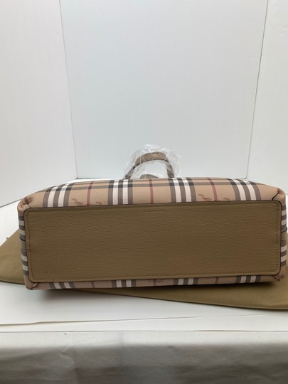 Burberry Tote in tan Image 10