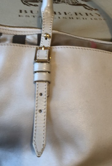 Burberry Tote Image 2