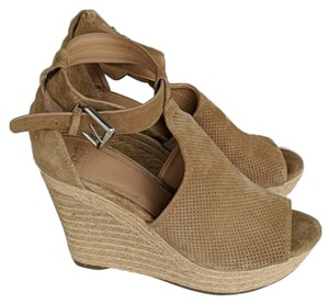 Marc Fisher Tan Brown Wedges