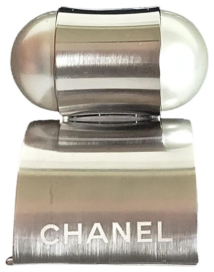 Preload https://img-static.tradesy.com/item/26444614/chanel-new-brand-new-supermarket-jumbo-bubble-pearl-cuff-bangle-bracelet-0-2-540-540.jpg