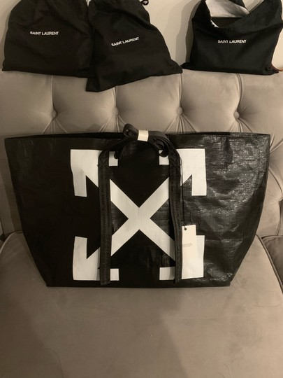 Off-White Tote in Black Image 6