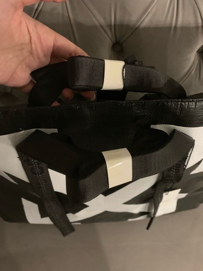 Off-White Tote in Black Image 8