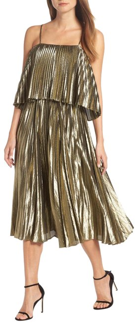 Item - Gold Pleated Midi Mid-length Formal Dress Size 0 (XS)