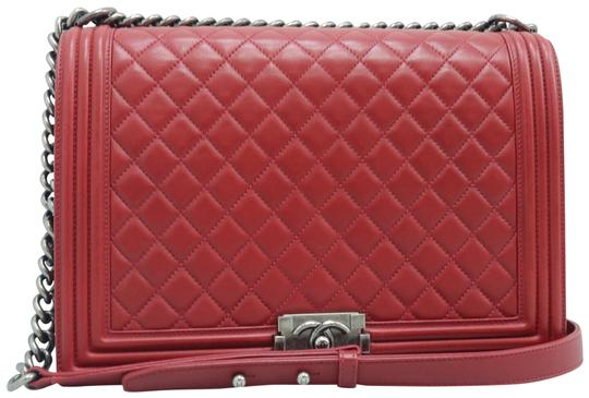 Preload https://img-static.tradesy.com/item/26448392/chanel-boy-large-leather-red-calfskin-shoulder-bag-0-2-540-540.jpg