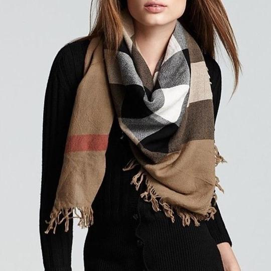 Burberry Burberry House Check Color Wool Square Scarf/Wrap Image 2