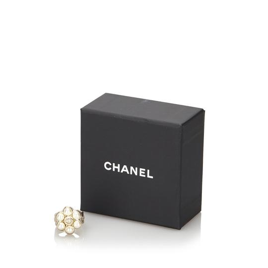 Chanel Chanel Metal CC Faux Pearl Ring Image 11