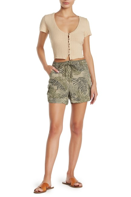 Item - Green Solid High Waisted Utility Shorts Size 6 (S, 28)