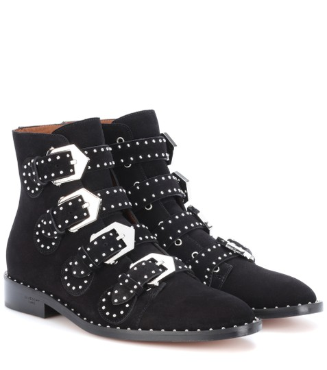 Preload https://img-static.tradesy.com/item/26450285/givenchy-black-studded-suede-ankle-bootsbooties-size-eu-39-approx-us-9-regular-m-b-0-0-540-540.jpg