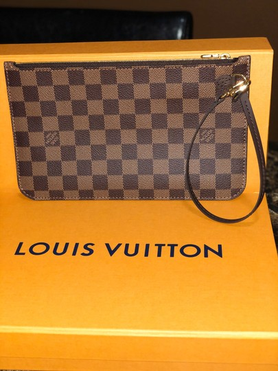 Louis Vuitton Wristlet in red Image 8