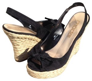 Moda International Black And Beige Wedges