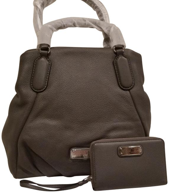 Item - New Q Fran Italian Convertible Satchel Purse (New with Tags) Faded Aluminum Grey/Silver Leather Shoulder Bag