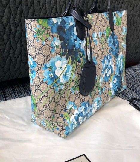 Gucci Tote in Navy Image 1