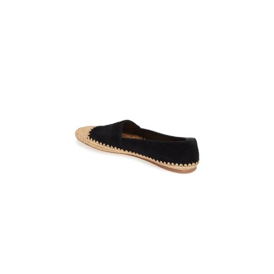 Preload https://img-static.tradesy.com/item/26454488/tory-burch-black-woven-cap-toe-flats-size-us-7-regular-m-b-0-0-540-540.jpg