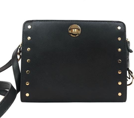 Preload https://img-static.tradesy.com/item/26454689/michael-kors-crossbody-studded-black-leather-messenger-bag-0-1-540-540.jpg