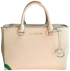 MICHAEL Michael Kors Satchel in Oyster