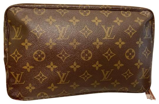 Preload https://img-static.tradesy.com/item/26455077/louis-vuitton-trousse-pouch-monogram-leather-clutch-0-4-540-540.jpg