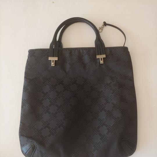 Preload https://img-static.tradesy.com/item/26455084/tumi-bag-nice-looking-bag-mildly-used-slight-scuff-to-one-side-black-tote-0-0-540-540.jpg