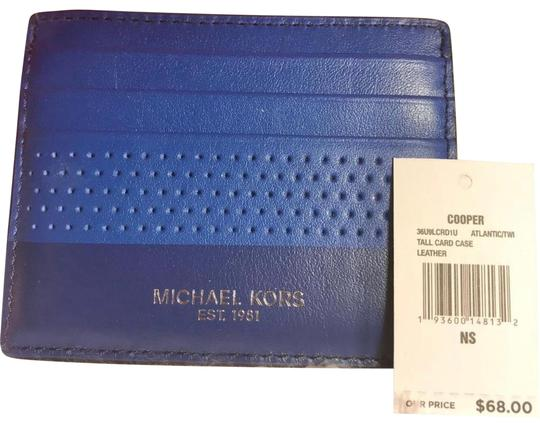 Preload https://img-static.tradesy.com/item/26455362/michael-kors-card-holder-atlantic-blue-leather-wristlet-0-1-540-540.jpg