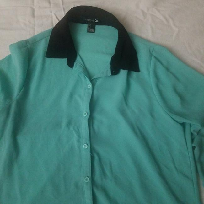 Forever 21 Top Turquoise with black collar Image 1