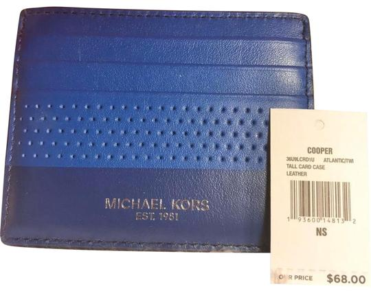 Preload https://img-static.tradesy.com/item/26455436/michael-kors-card-holder-atlantic-blue-leather-wristlet-0-1-540-540.jpg