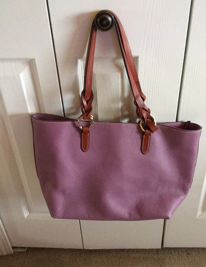Dooney & Bourke Tote in mauve Image 1