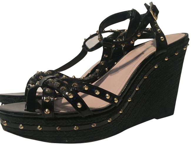 Item - Black and Gold Sandals Size US 9.5 Regular (M, B)