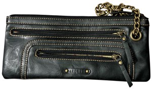 Axcess Wristlet in Black
