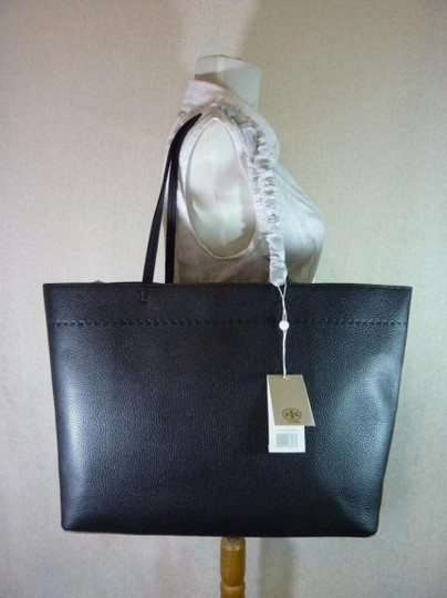 Tory Burch Fleming Tote in black Image 1