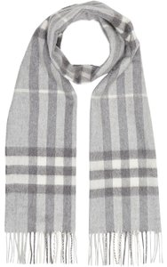 Burberry Burberry The Classic Checked Scarf