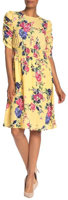 Item - Yellow Floral Print Ruched Sleeve Mid-length Short Casual Dress Size 8 (M)