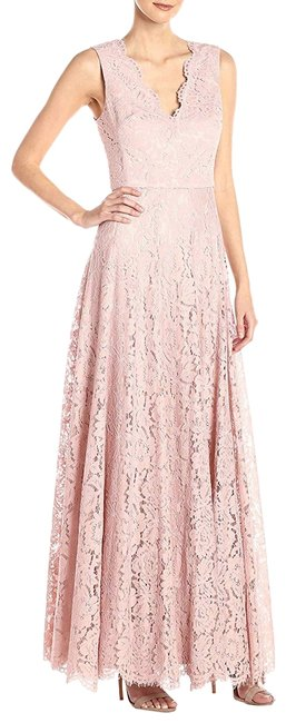 Item - Blush Sleeveless Double V-neck Scallop Lace Fit & Flare Gown Long Formal Dress Size 4 (S)