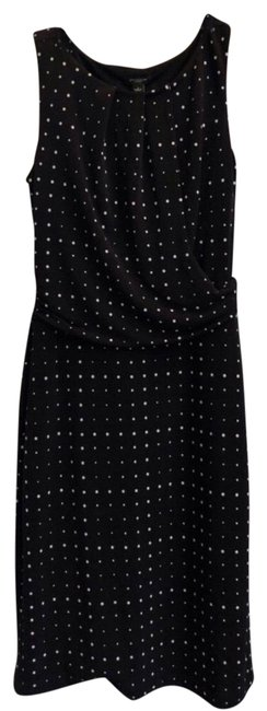 Preload https://img-static.tradesy.com/item/26462590/black-and-white-mid-length-workoffice-dress-size-2-xs-0-1-650-650.jpg