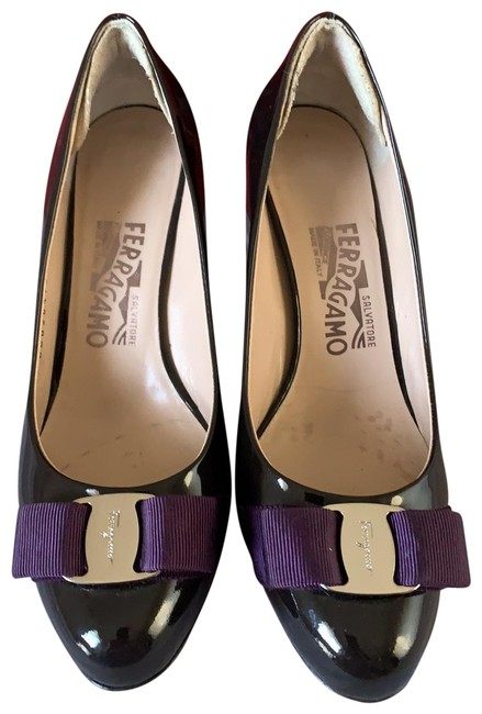 Item - Black/ Purple Pumps Size US 7 Wide (C, D)