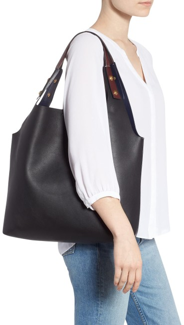 Item - Tote Navy with Scarlet Handles Leather Hobo Bag